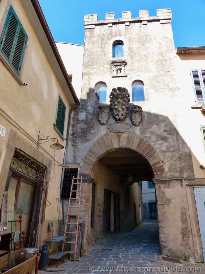 Tuscany tower for sale: the porta di Castello in Arcidosso Italy.