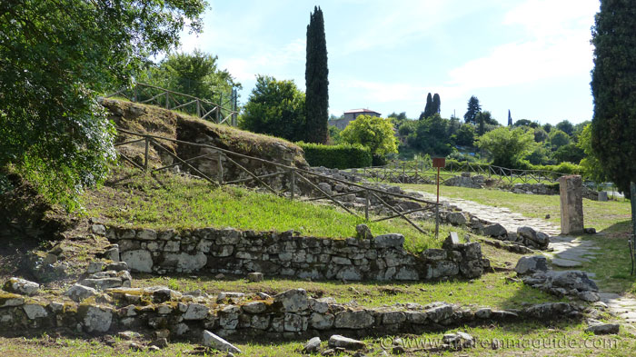 3rd century BC Etruscan shops, taverns and houses at Vetulonia