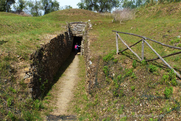 Entering the internal dromus at the Diavolino II tomb in Vetulonia.