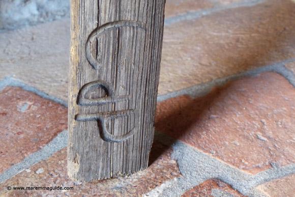 Via di Corte Tuscan ladder detail