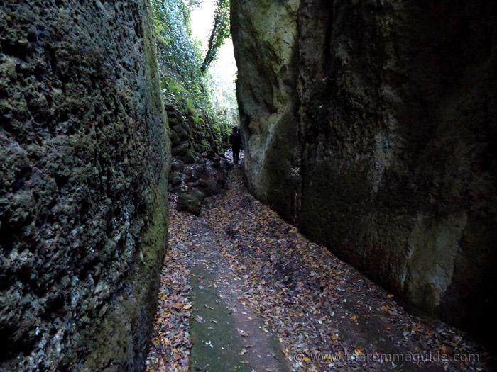 Vie Cave Sorano trekking