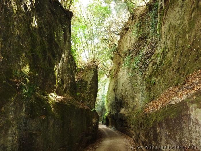 Vie Cave Sovana Pitigliano Maremma Tuscany Italy