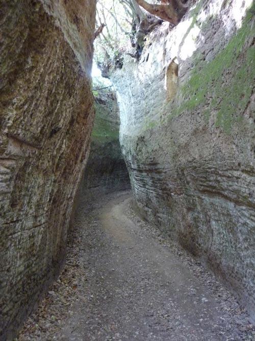 Vie Cave Sovana: Via Cava di Poggio Prisca, Maremma Tuscany Italy