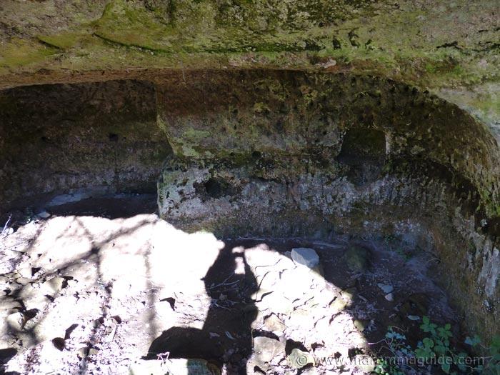 Vitozza cave details