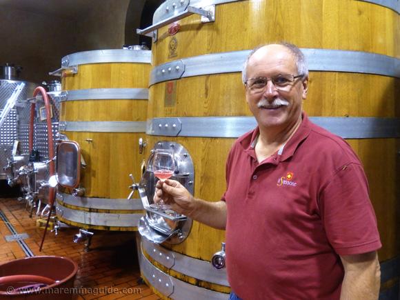Wine tasting in Tuscany winery