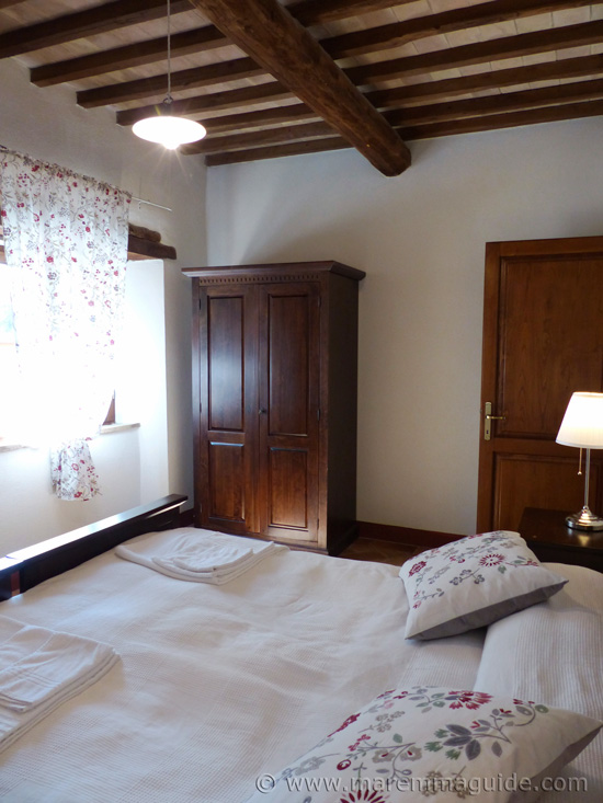 Tuscany apartment for sale: double bedroom.
