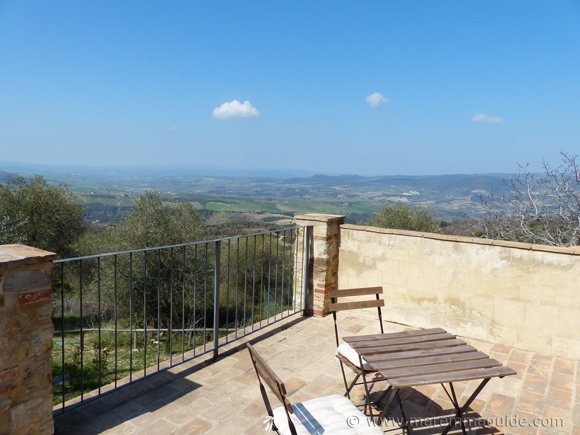 Maremma property for sale: four Tuscany apartments in a converted stone-built farmhouse with a view.