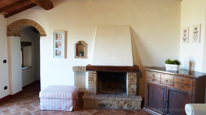 Apartment for sale in Tuscany: living room.