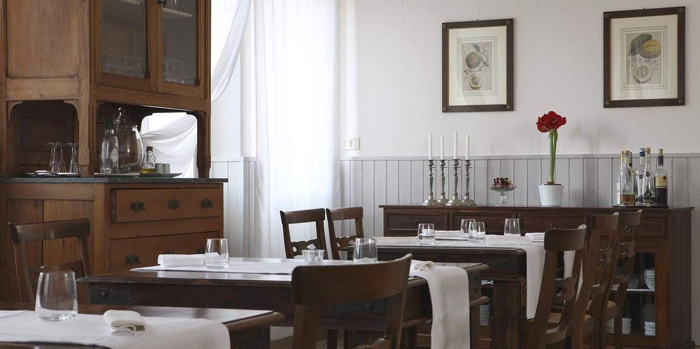 Best Maremma hotel: dining room at Locanda La Pieve