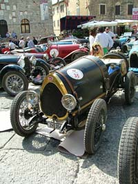Bugatti cars on tour in Italy