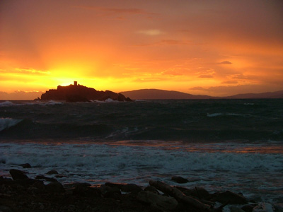 Sunsets at the beach: Cala del Porto Punta Ala, Maremma