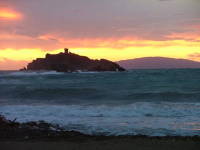 Sunset beaches: Cala del Porto Punta Ala, Maremma