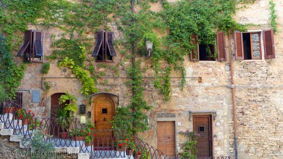 Campiglia Marittima Tuscany Italy: Piazza del Mercato