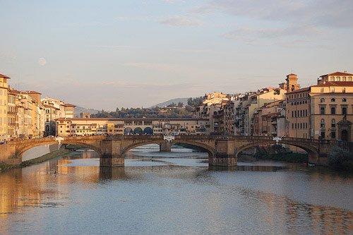 Florence Italy photos: the River Arno, the Ponte Santa Trinita and the Ponte Vecchio from the Ponte alla Carraia