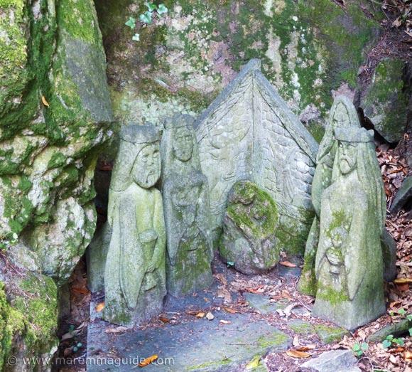 Stone nativity in the gardens of the Peschiera in Santa Fiora.