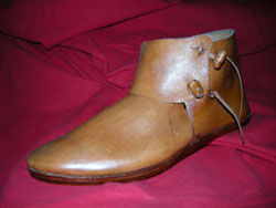 Medieval leather shoes: making medieval shoes in Maremma Italy