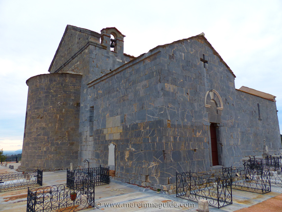 Pieve di San Giovanni apse and left hand chapel.