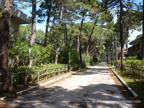 Principina a Mare holiday accommodation road