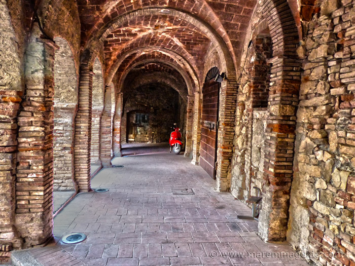 Suvereto Tuscany Italy: il chiostro dell'ex Convento di San Francesco