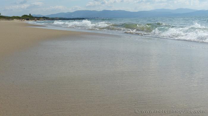 Tuscany beach restaurant location: spiaggia Carbonifera