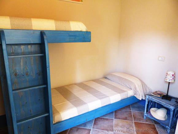 Poggio La Croce: children's cottage bedroom.