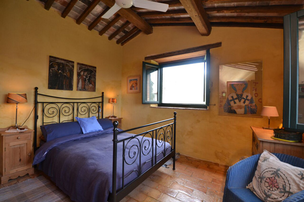 Maremma Tuscany farmhouse for sale: double bedroom.