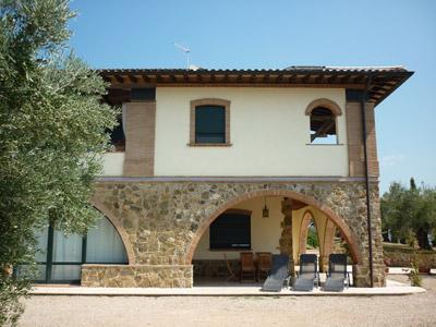 Tuscany villa apartment by the coast