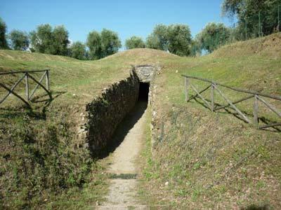 Vetulonia tomb: Etruscan tombs in Maremma Italy