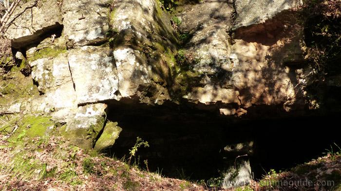 Vitozza cave dwelling