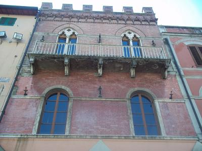 Edificio piazza Grosseto